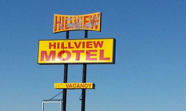 Hillview Motel